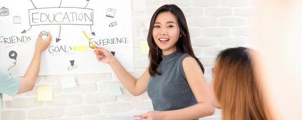Nauka języka angielskiego – kurs grupowy czy indywidualny